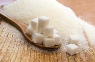 Słodka trucizna – dlaczego warto zrezygnować z cukru?