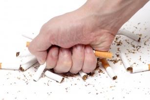 Rzucanie palenia. 6 powodów dlaczego warto i  6 produktów, które oczyszczają organizm