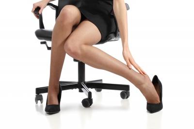 8 sposobów na opuchnięte nogi i stopy. Wypróbuj je!