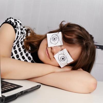 Opuchnięte i podkrążone oczy nie muszą być Twoim problemem!