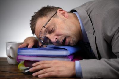 Chroniczne zmęczenie - co może być przyczyną ciągłego zmęczenia i senności?