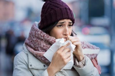 Zalegająca wydzielina w drogach oddechowych – o czym może świadczyć ten problem