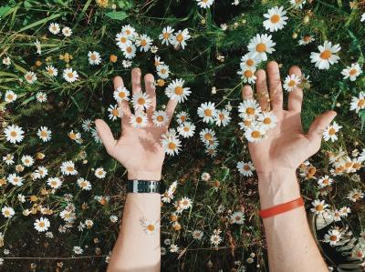 Łuszczyca skóry – jak ją leczyć domowymi sposobami?