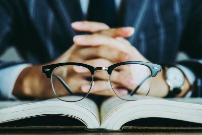 Szkła progresywne – idealne rozwiązanie dla prezbiopów