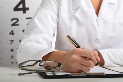 Problem z oczami? – poznaj  8 najczęstszych objawów sugerujących wizytę u okulisty.