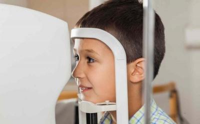 Przyczyny zapalenia spojówek - dowiedz się dlaczego warto wybrać się do okulisty dziecięcego