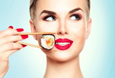 Sposób na smukłą figurę i dłuższe życie. Tajniki diety japońskiej