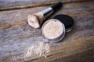 Kosmetyki mineralne - jaki jest ich skład i czym różnią się od tradycyjnych kosmetyków?
