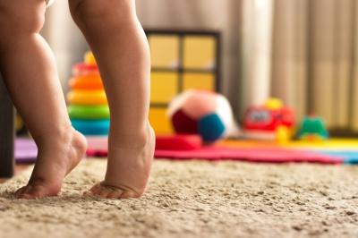 Jak rozpoznać i leczyć płaskostopie u dziecka?
