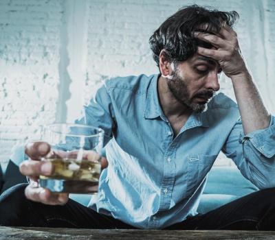 Tabletki na alkoholizm - czy to skuteczne rozwiązanie w leczeniu alkoholizmu?